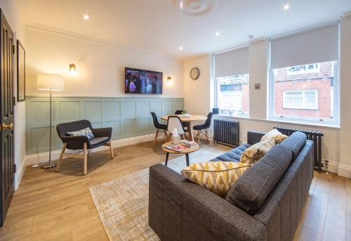 Luxury & Bright Westminster 2 Bedroom Apartment