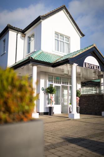 Ivanhoe Inn And Hotel