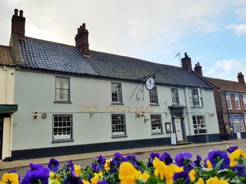 Kings Head Holt picture 1 of 18