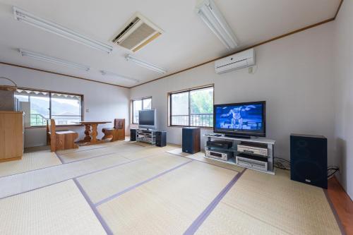 ささやかなおうち2階・昭和アニメの家・関, Futtsu