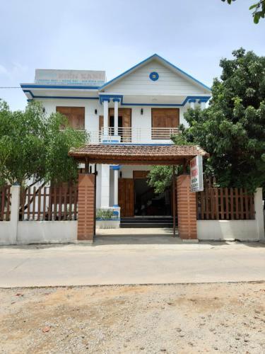 Nha nghi Bien Xanh, Phú Lộc