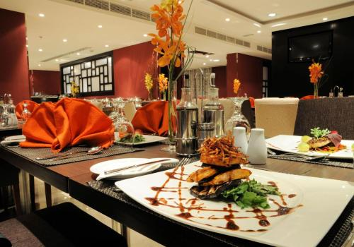 Al Hamra Hotel - Photo 3 of 47