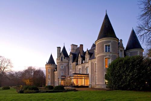 Kasteel-overnachting met je hond in Hôtel Chateau Golf des Sept Tours by Popinns - Courcelles-de-Touraine