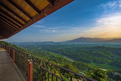. Ceyloni Panorama Resort