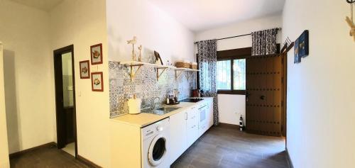 Apartment with Terrace Family hotel Al- Ana Marbella 7