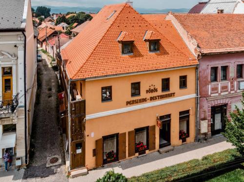 Vörös Guest House - Accommodation - Tîrgu Secuiesc