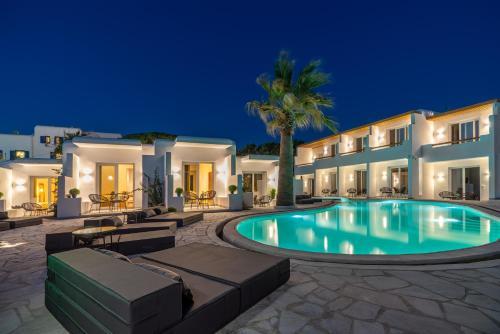 . Omnia Mykonos Boutique Hotel & Suites