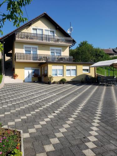 . Apartments Miše