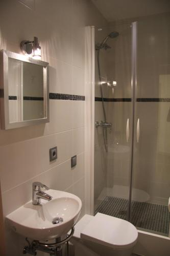 Hostal Excellence photo 8