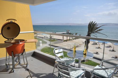 . Ocean View Apartment in Paracas