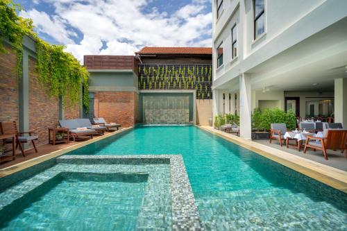 . Mony Reach Angkor Hotel