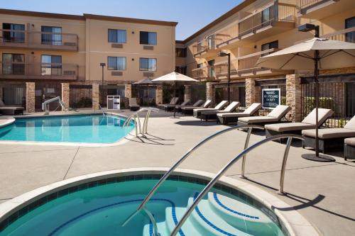 Four Points by Sheraton San Diego - Sea World - San Diego, CA CA 92110