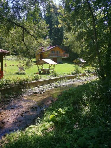 Odmaralište Rajski Do - Accommodation - Trnovo