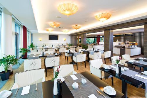 Adrema Hotel photo 24