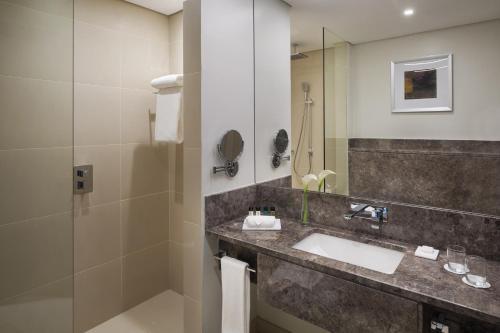 Mövenpick Hotel Tahlia Jeddah Oda fotoğrafları
