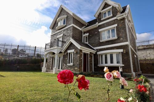 . Rose Manor