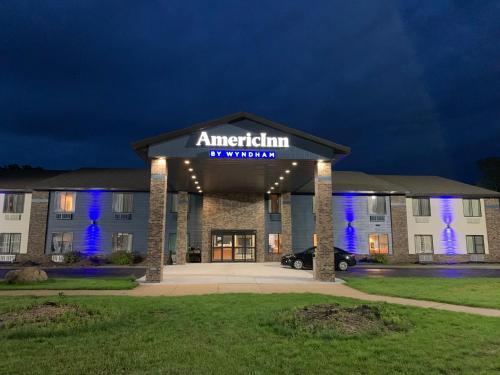 . AmericInn by Wyndham Prairie du Chien