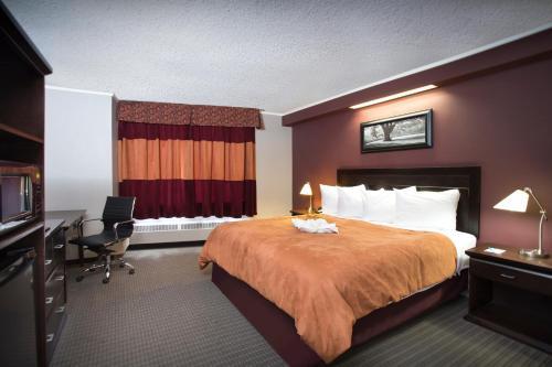 Coliseum Inn - Edmonton, AB T5B 4R4