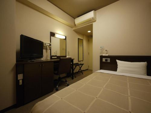 Hotel Route-Inn Hisai Inter
