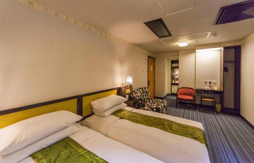 Evergreen Hotel photo 30