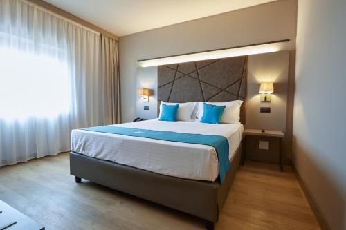 __{offers.Best_flights}__ DC HOTEL INTERNATIONAL