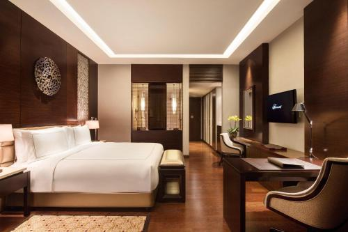 Fairmont Gold Deluxe Double Room