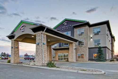 . Canalta Hotel Assiniboia