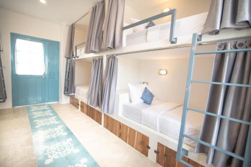 Book Seaesta Komodo Hotel & Hostel in Labuan Bajo, Indonesia - 2020 Promos