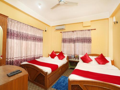 Spot On 554 New Laliguras Hotel