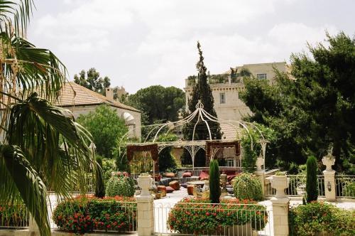 1 Louis Vincent Street, Jerusalem 97200, Israel.
