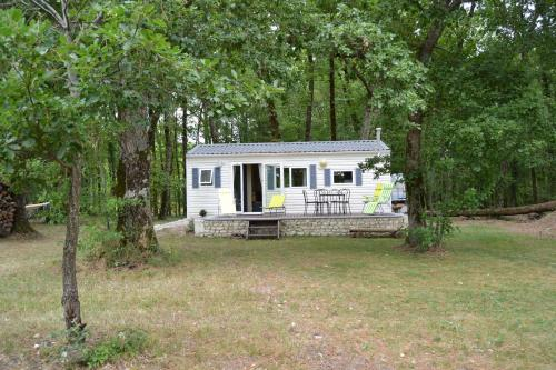 Mobile home des pins - Camping - Châtignac