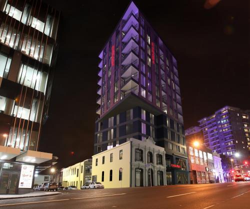 . Ramada Suites Victoria Street West