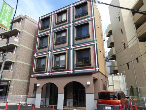 YOGO ZASSHO HOUSE