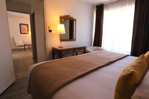 Hotel Des Tuileries - Hôtel - Nîmes