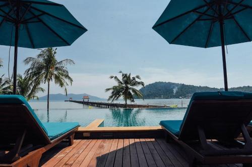 Spectacular Views - Infinity Pool Spectacular Views - Infinity Pool