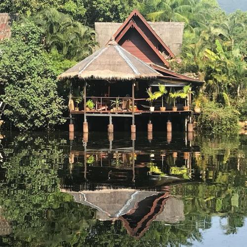 Riverside Family Beach House - Baan Zen Riverside Family Beach House - Baan Zen