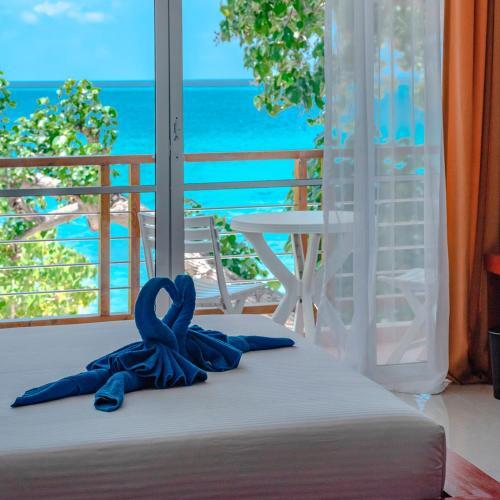 Фото отеля Athiri Beach Maldives