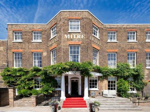 Mitre Hotel, Thames Ditton (London)