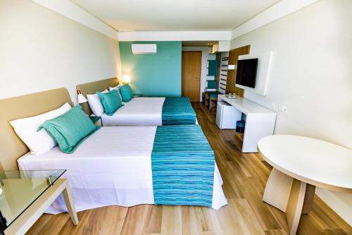 Family Luxury Room (3 adults + 01 Children) - All Inclusive Premium