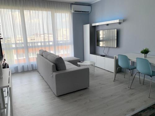 Blue Laguna private parking & 2 bedrooms