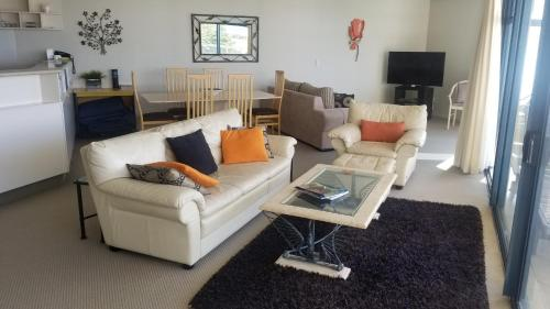 Oceanside Resort&Twin Towers - Accommodation - Mount Maunganui