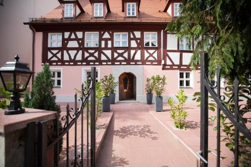 . Aston's Hotel
