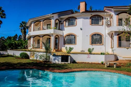 . Madonsa Guest House