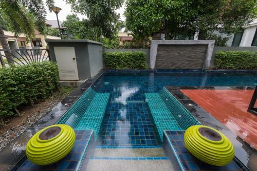 3 Bedroom Private Villa with pool V18 in Pattaya 3 Bedroom Private Villa with pool V18 in Pattaya