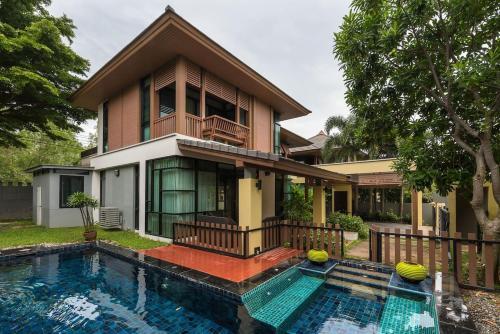 3 Bedroom PrivateVilla with pool V99 in Pattaya 3 Bedroom PrivateVilla with pool V99 in Pattaya