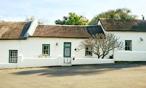 Old Thatch Lodge