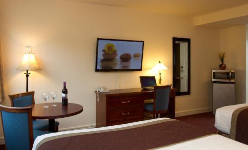 Scott's Inn & Restaurant - image 8