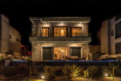 Elite Paphos Seafront Five-Star Vip Villa