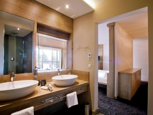 Suite with Spa Bath and Sauna