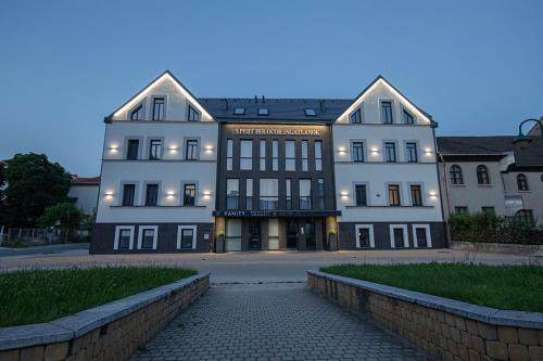 Ex-HoMe Luxury, 3525 Miskolc